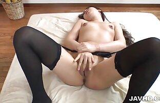 Maria ryabushkina är porrfilm för äldre framför webbkameran,