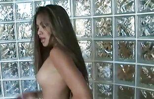 En rörmokare gav en tjej under diskbänken hemmagjorda sexfilmer